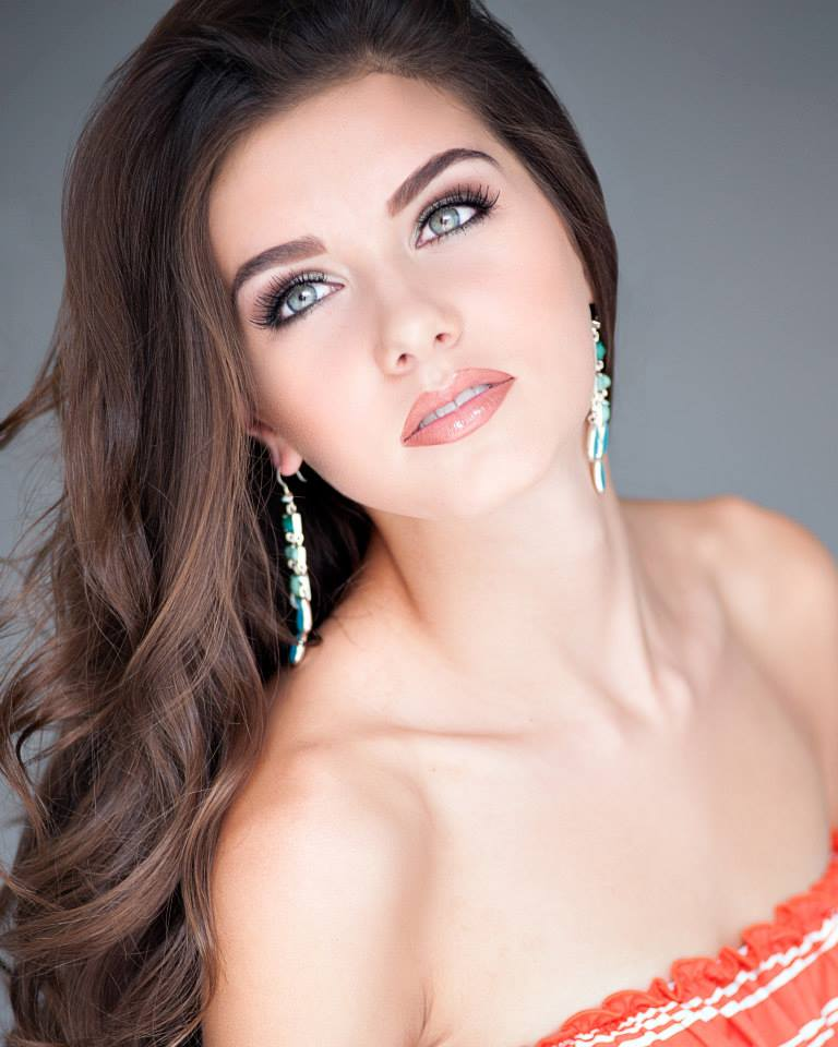 Miss Teen Texas Gives Up Title 48